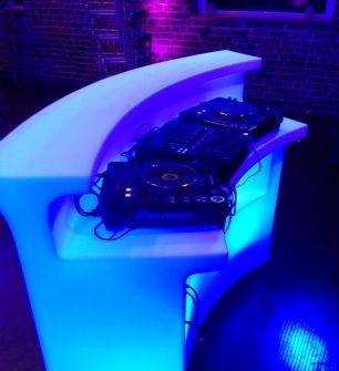 meuble-lumineux-dj-club.jpg