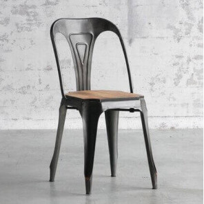 Multipl's chair wood