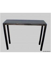 Console en acier brut style industriel