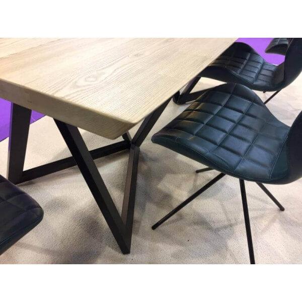 table repas acier bois original. Black Bedroom Furniture Sets. Home Design Ideas